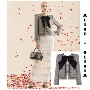 "Alice + Olivia ""Ivette"" tweed bow blazer L"